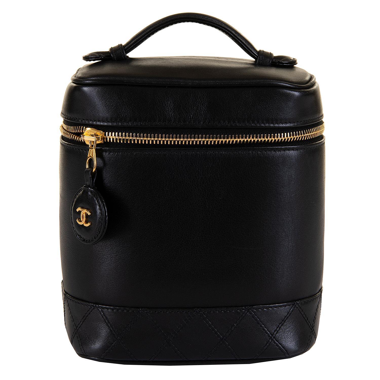 Pristine Vintage Chanel Black Quilted Lambskin Vanity Case For Sale at 1stdibs