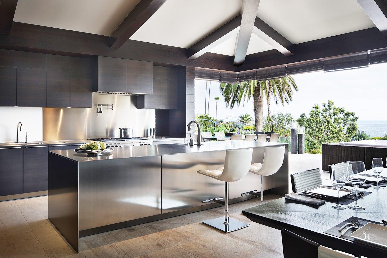 Resort Living by Philip Nimmo Inc