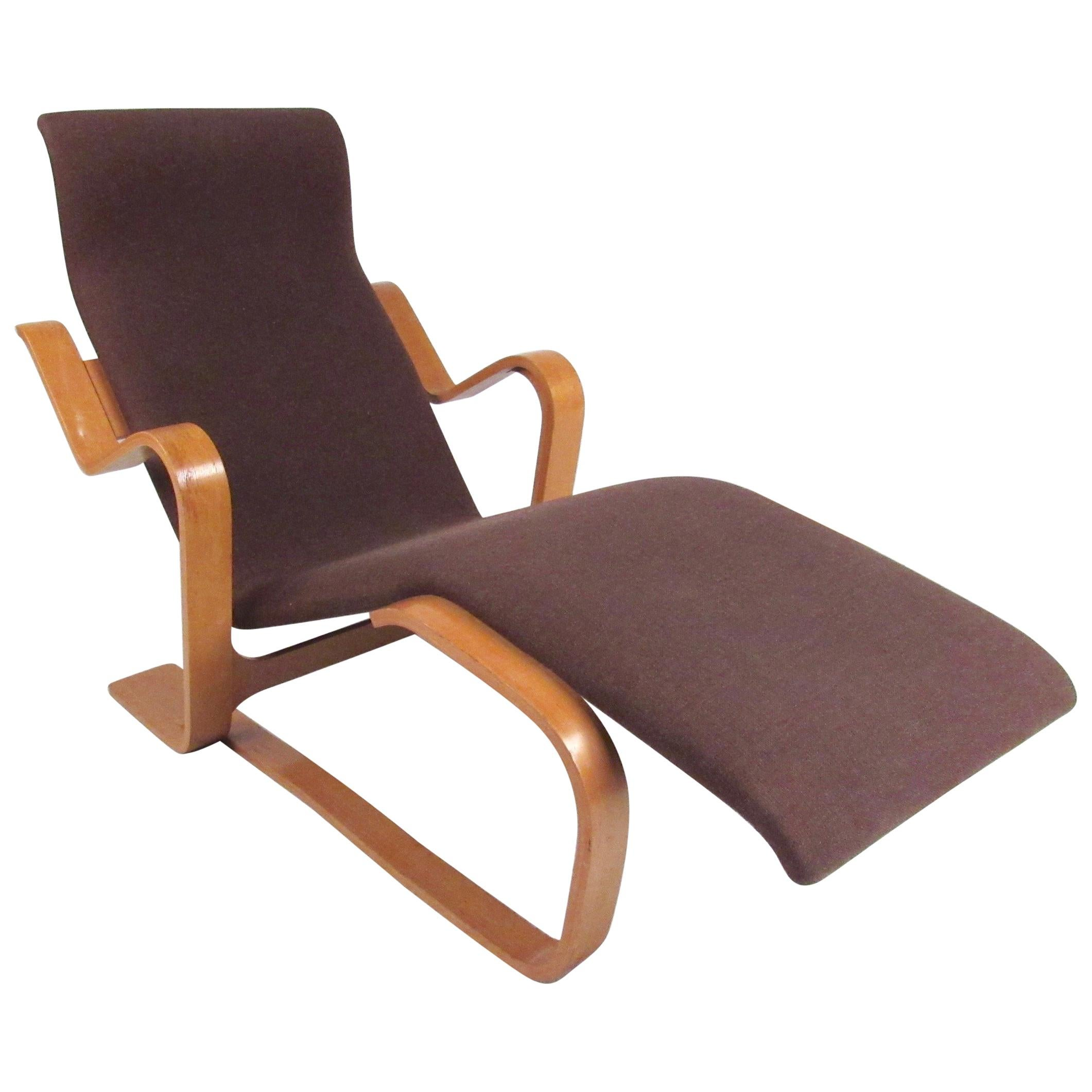 Teak Chaise Lounge Chairs Scandinavian Modern Bentwood Teak Lounge Chair