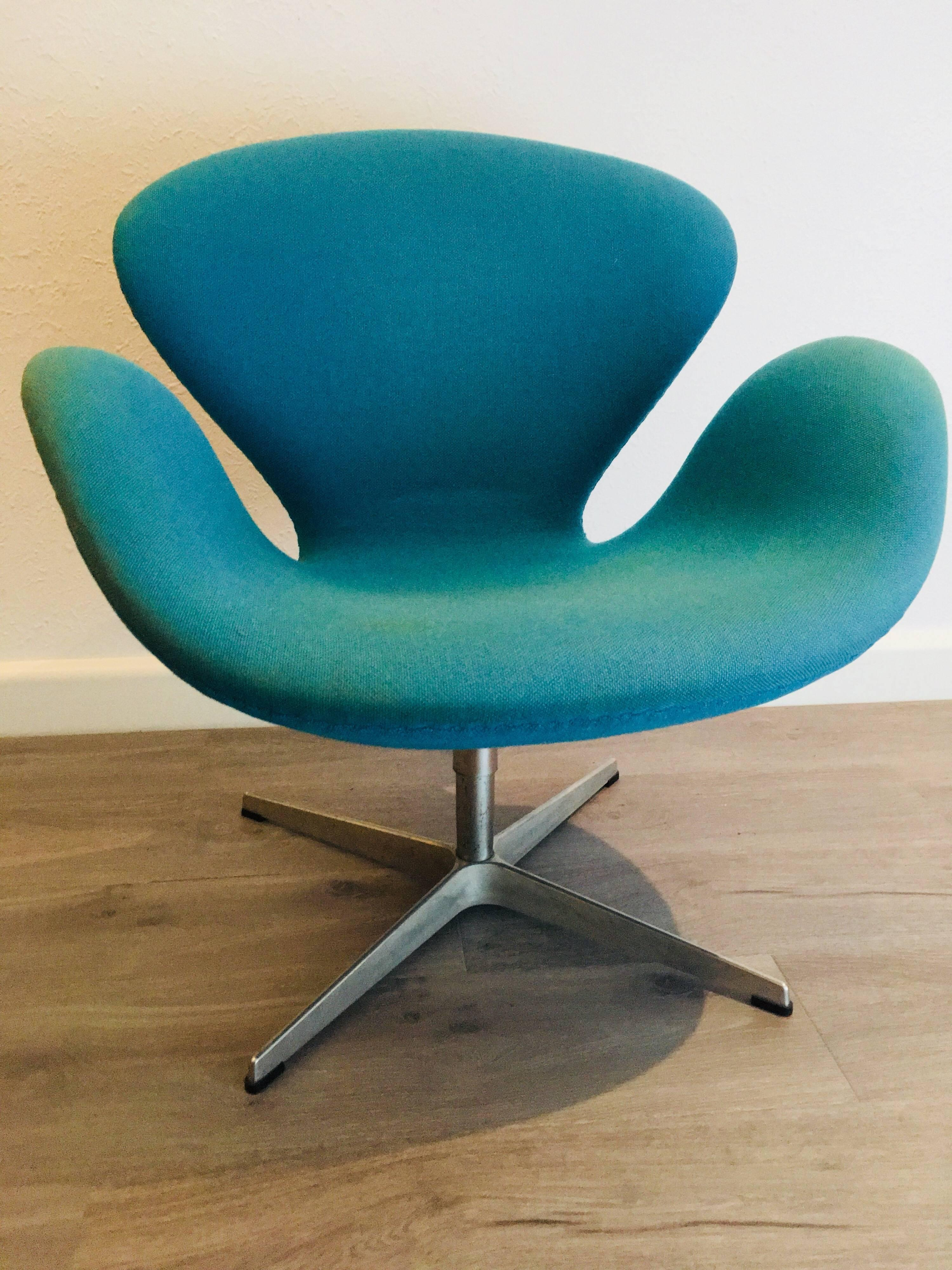 Swan Chair Swan Chair Designed By Arne Jacobsen For Fritz Hansen For ...