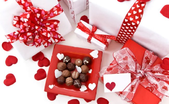 Valentine S Day Gift Guide For New Flings And Longtime