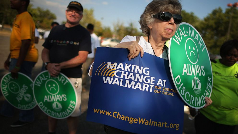 PHOTO: Walmart protest