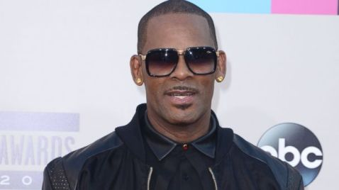 GTY r kelly jtm 140625 16x9 608 R. Kelly Reacts to News His Teenage Child Is Transgender