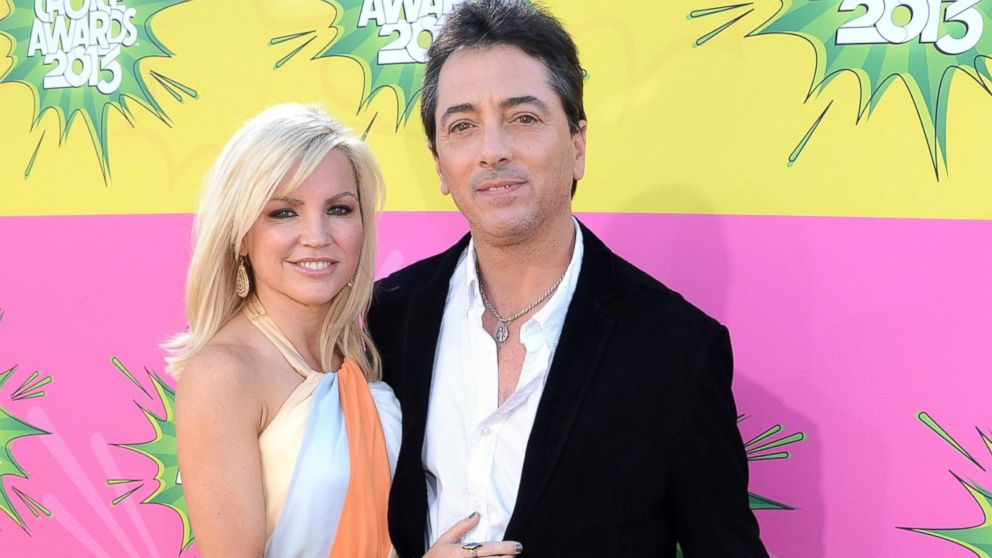 PHOTO: Scott Baio and wife Renee Sloan, left, along with daughter Bailey, arrive at Nickelodeons 26th Annual Kids Choice Awards at USC Galen Center, March 23, 2013, in Los Angeles.