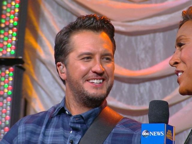 VIDEO: Luke Bryan unveils New Yorks Opry City Stage, talks holidays with his family