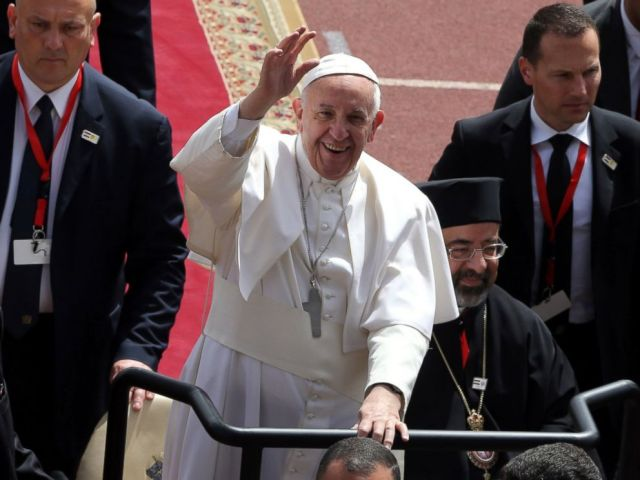 PHOTO: Pope Francis arrives to lead a mass at the Air Defense Stadium in Cairo, Egypt, April 29, 2017.