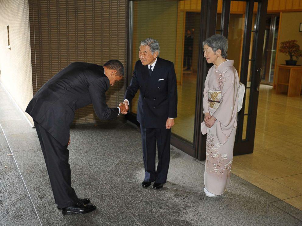 https://i0.wp.com/a.abcnews.com/images/International/barack-obama-japan-emperor-akihito-gty-jt-171105_4x3_992.jpg
