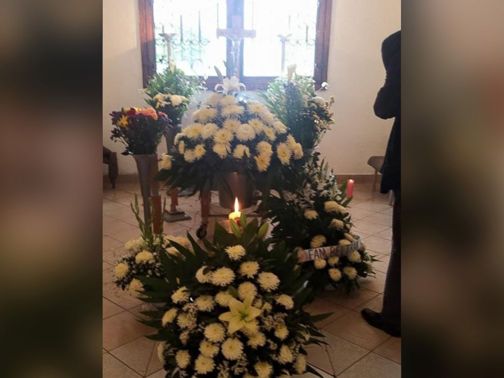 PHOTO: Photos posted to Facebook on March 15, 2015 by Patricia Urrutia show dogs gathered at the funeral of Urritias mother, Margarita Suarez, in Cuernavaca, Morelos, Mexico.