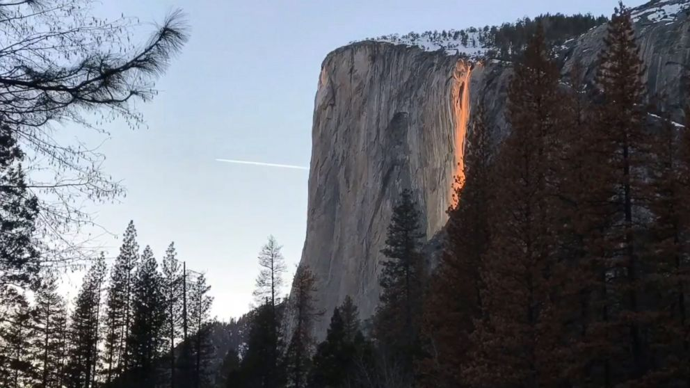 Fall Vermont Wallpaper Yosemite S Horsetail Fall Appears As Firefall Video Abc News