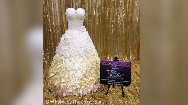 PHOTO: Baker Nadine Moon made a cake in the shape of a life-sized wedding dress for a bridal expo in Houston.