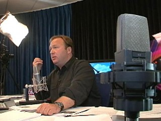 Photo: Angry in America: A Day in the Life of Alex Jones: Radio Host and 'Conspiracy Theorist' Taps into Dark National Mood to Build Media Empire