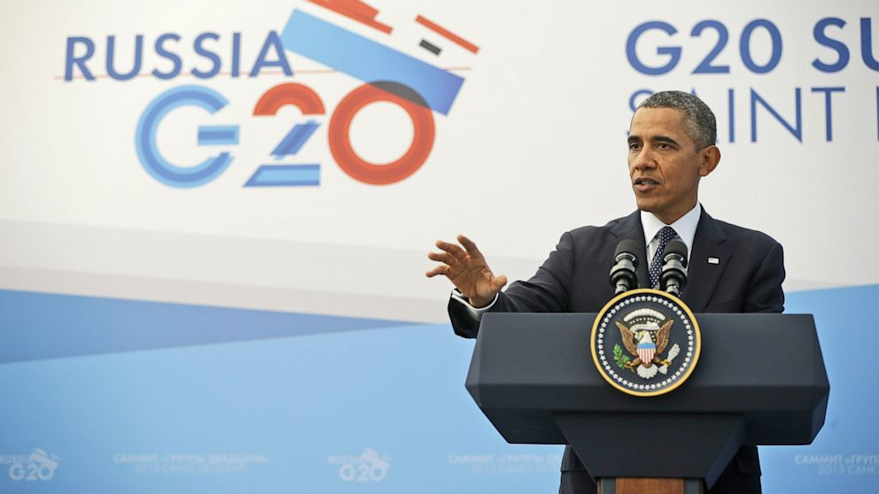 US President Barack Obama gestures during his news conference at the G-20 Summit in St. Petersburg, Russia, Sept. 6, 2013.