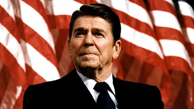 PHOTO: Former U.S. President Ronald Reagan speaks at a rally for Senator Durenberger February 8, 1982.