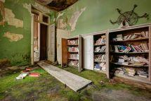 Eerie Of World' Grandest Abandoned Hotels