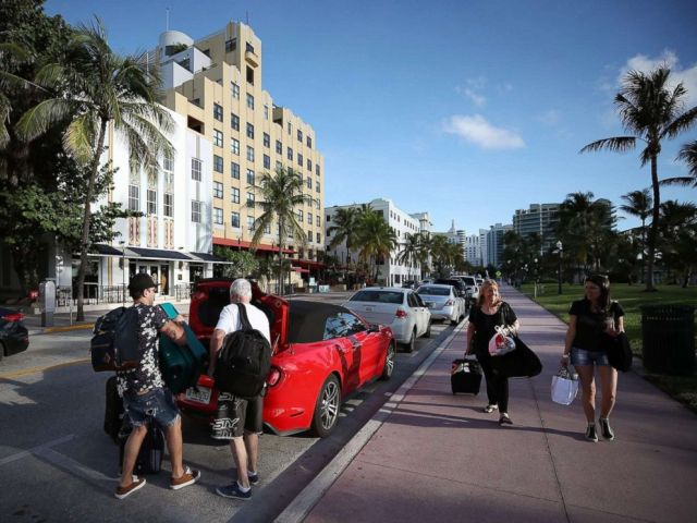 PHOTO: People pack up their car to evacuate as the city prepares for Hurricane Irma, Sept. 7, 2017 in Miami Beach, Florida.