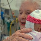 Cuddling Babies: Hospital Volunteers Show the Power of Human Touch