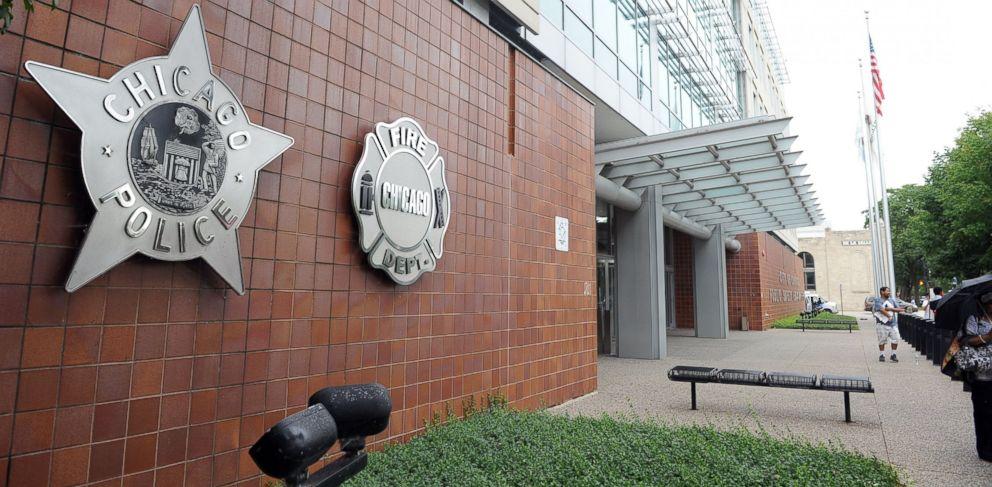 GTY-Chicago-Police-Headquarters-MEM-170112_33x16_992.jpg