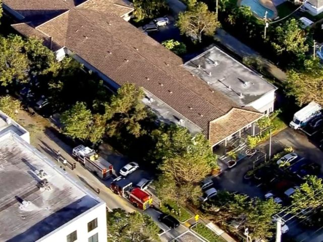 PHOTO: Hurricane Irma knocks out air conditioning at the Rehabilitation Center of Hollywood Hills in Hollywood, Fla.