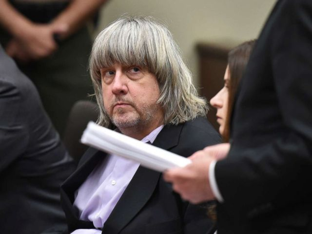 PHOTO: David Allen Turpin appears in court for arraignment with attorneys on Jan. 18, 2018 in Riverside, Calif.