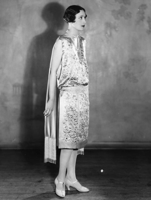 Fashion that Roared: 1920s Evening Wear - ABC News