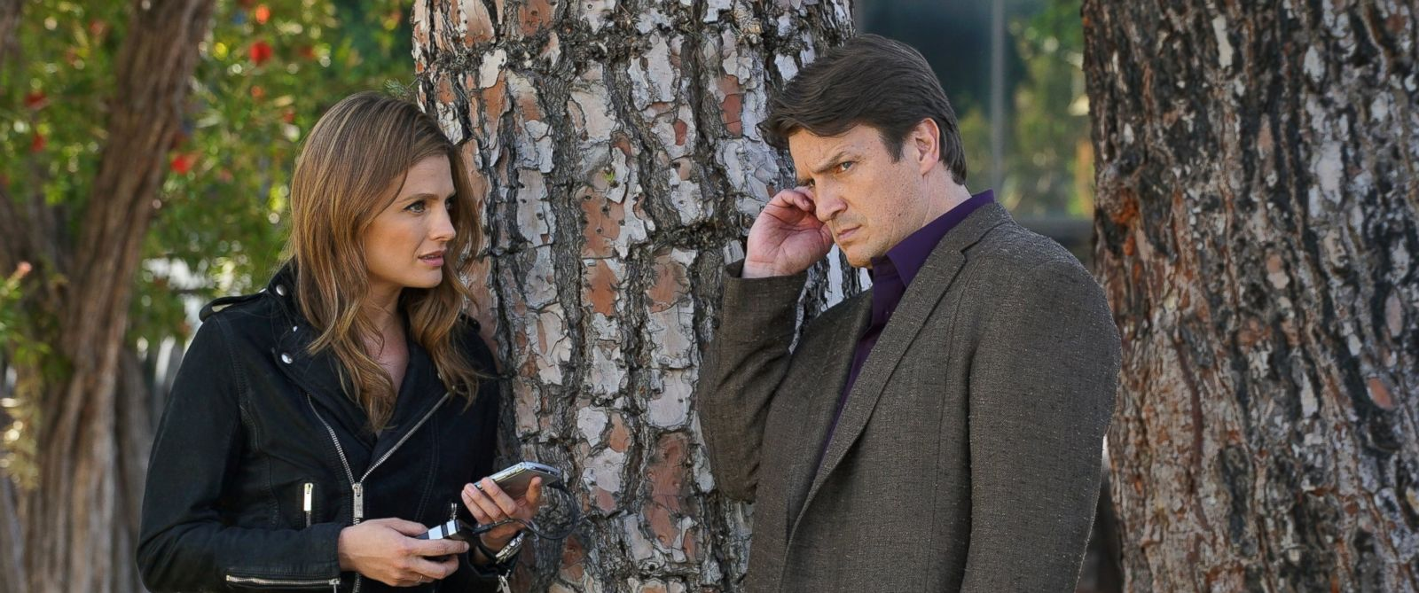 """PHOTO: Nathan Fillion and Stana Kaic on the season finale of """"Castle,"""" May 16, 2016."""
