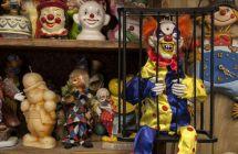 Creepy Clown Hotel Scares Pants Guests