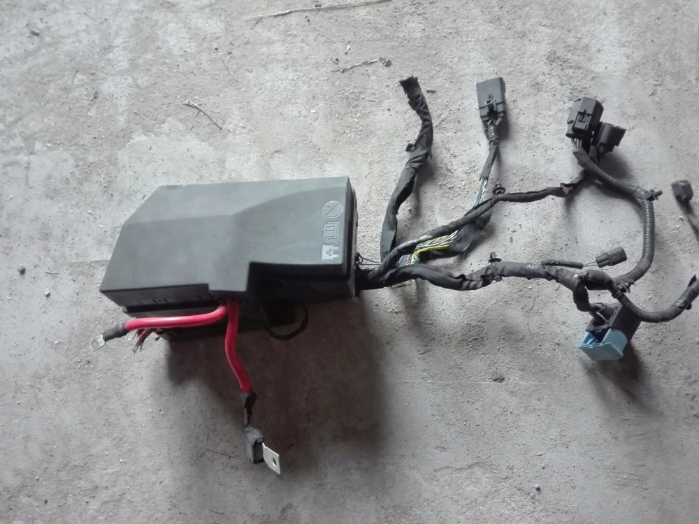 medium resolution of picture of volvo v40 2 0 d4 fuse box