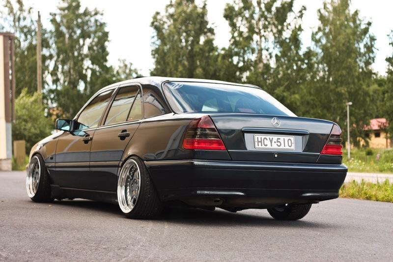 W202 nice stance! — Mercedes-Benz C-class. 1.8 л.. 1998 года на DRIVE2