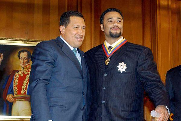 https://i0.wp.com/a.espncdn.com/photo/2007/1022/mlb_g_chavez_santana_600.jpg