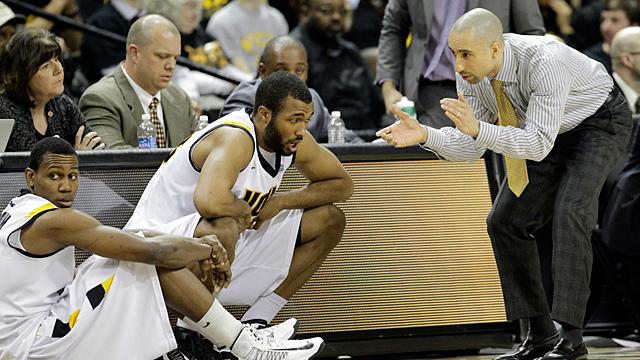 Virginia Commonwealth head coach Shaka Smar
