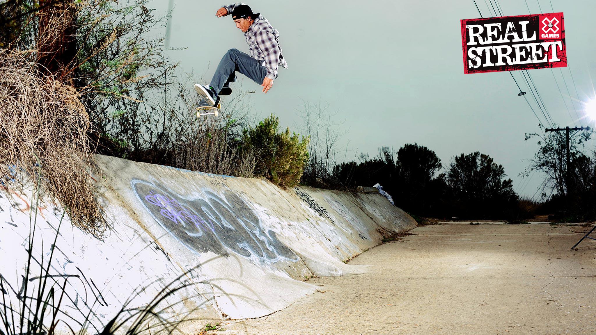 Tony Hawk Donates His First Skateboard To Smithsonian