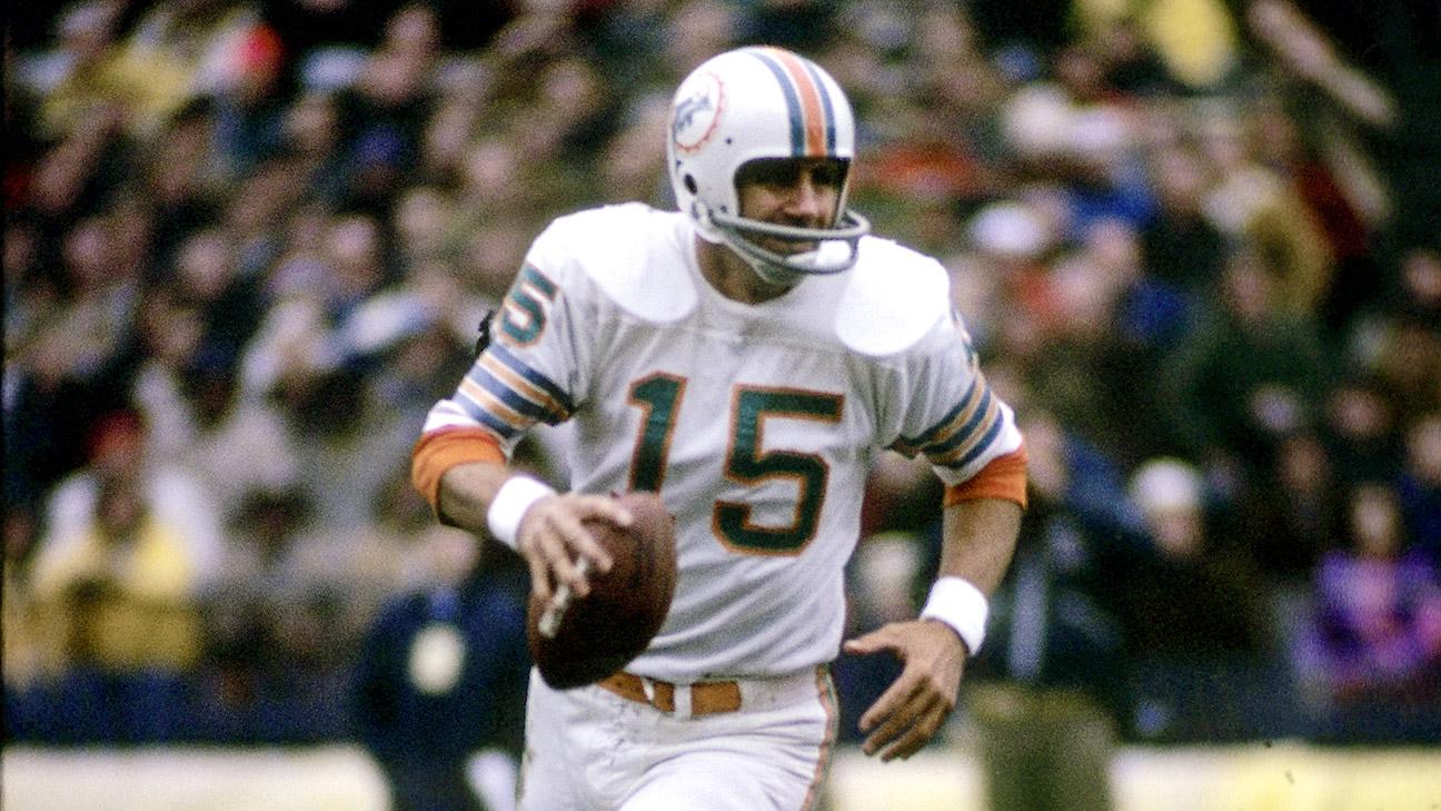 Former NFL quarterback Earl Morrall dies at 79