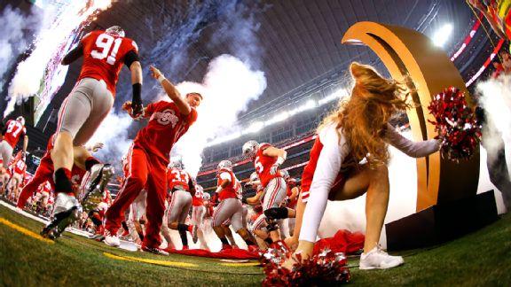 Buckeyes cheerleader