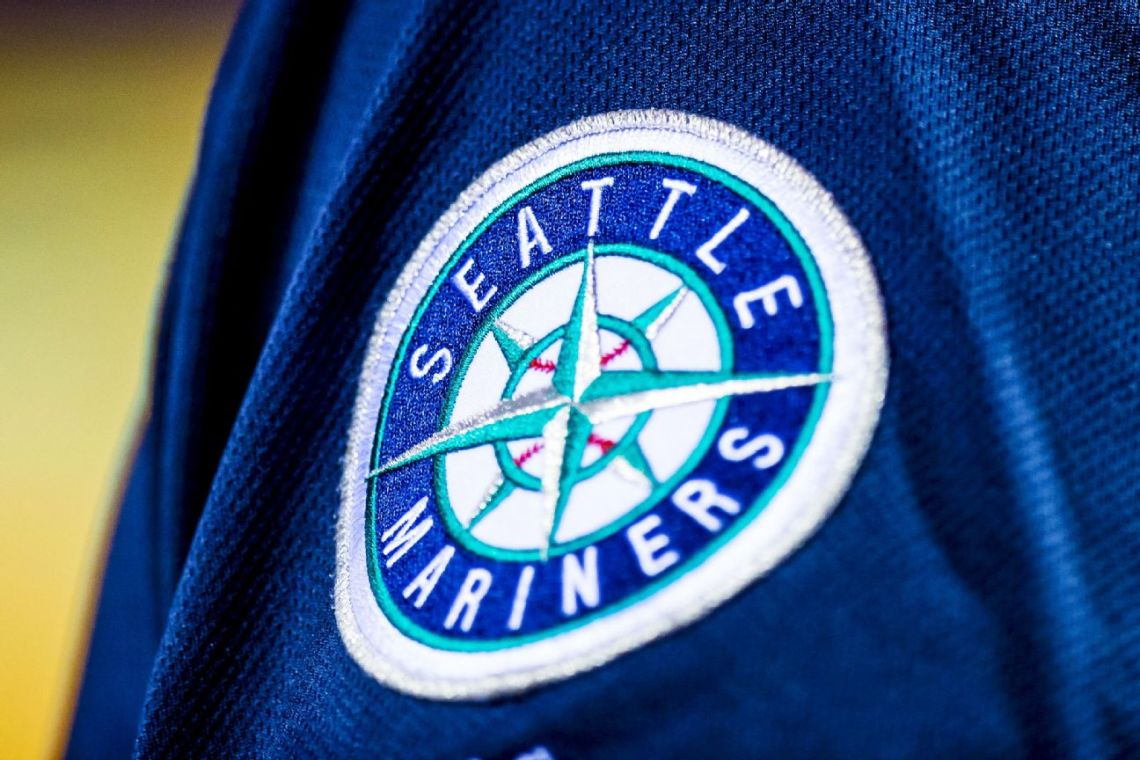 Sources: Mariners fear spread after positive test