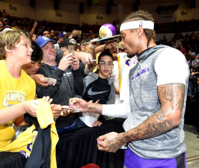 Beasley Exits Lakers Debut With Head Laceration