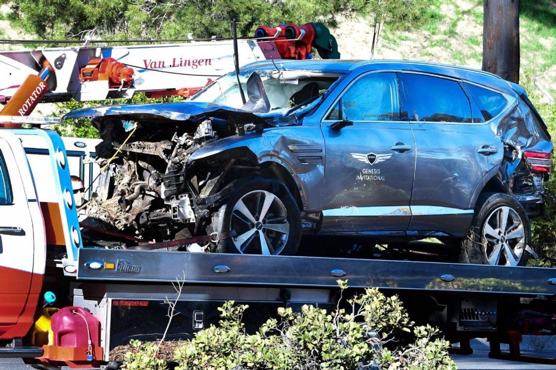 Sheriff: Excessive speed caused Woods' crash