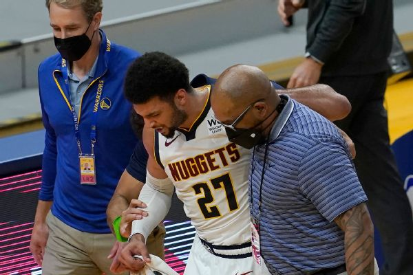 Nuggets await test results as Murray injures knee