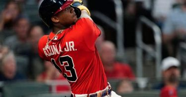 Braves' 7-HR game with 2 slams makes history