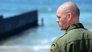 Agente de migración de Estados Unidos.