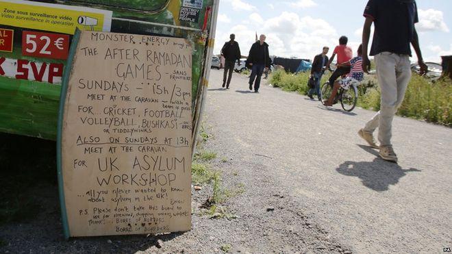 Calais se agrava la crisis de migrantes en la frontera de for Ministerio del interior en ingles