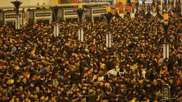 Congestión en la estación de Guangzhou