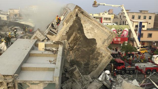 Un edificio colapsado