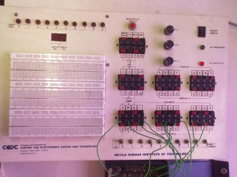 Fig18 The Digital Circuit Simulator Dcs With A Circuit Under