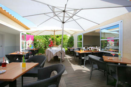 Hotel Le Pavillon Beziers France Book Your Cheap Hotel Now