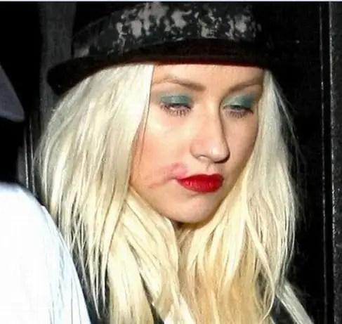 noticias Christina Aguilera fuera de controlcon el peso y alcohol
