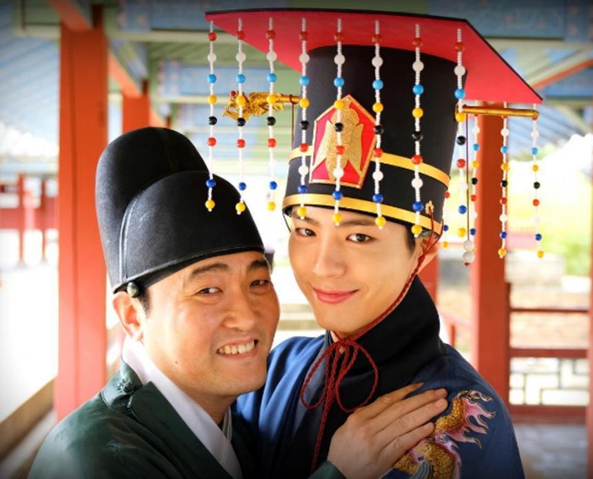 《HT3》李準赫:我愛樸寶劍,對戲時看著他的眼睛心情特別激動 - KSD 韓星網 (綜藝)