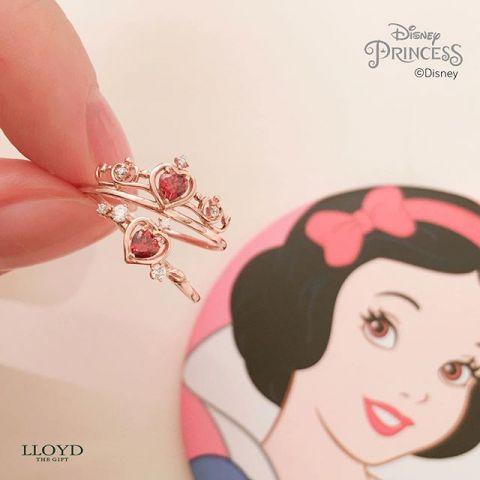 Disney和LLOYD聯名推出5位公主的項煉和戒指。顏值爆表的「閨蜜戒」超吸睛! - KSD 韓星網 (生活)