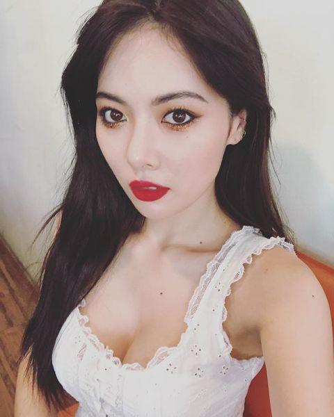 泫雅給CUBE的手寫信公開:「我唯一的罪就是讓CUBE走到今天」 - KSD 韓星網 (明星)