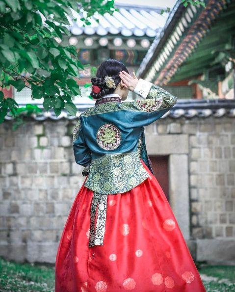 【K社韓文小百科】想像BTS防彈少年團一樣穿韓服遊景福宮!但小心不要穿錯了 - KSD 韓星網 (旅遊)