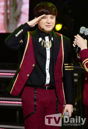 Super Junior神童與嫩模女友分手 - KSD 韓星網 (明星)